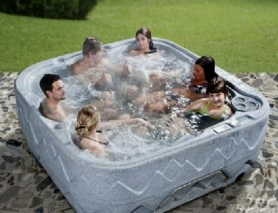 Starting with a splash! - Hull Hot Tub Hire