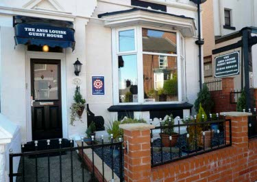Anis Louise Guest House - Chesterfield