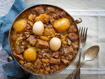 Northern Living, Cholent Recipe – Jewish inspired slow cooker Beef casserole.